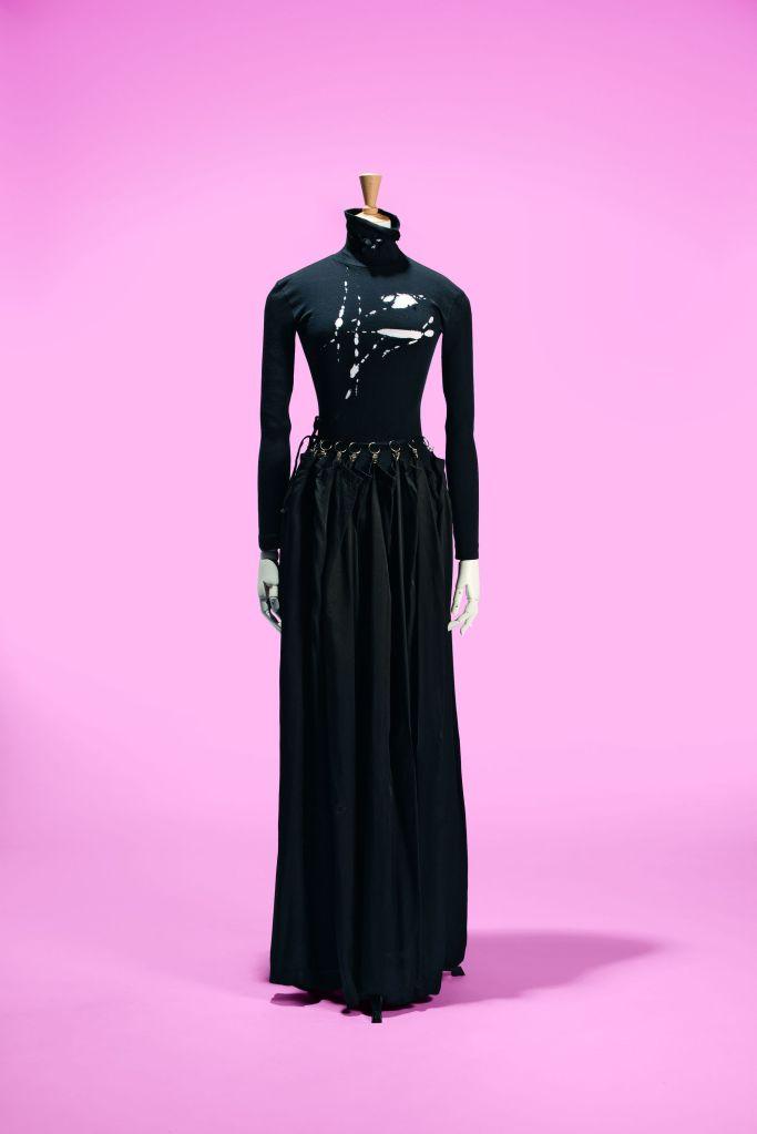 Martin Margiela, ensemble body lacéré et jupe rideau, A/H 1990