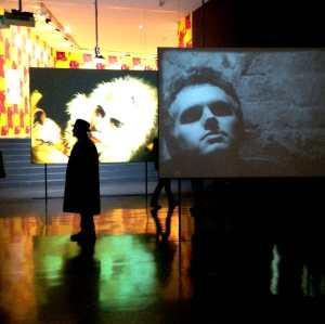 Vue de l'exposition Warhol Unlimited au MAM