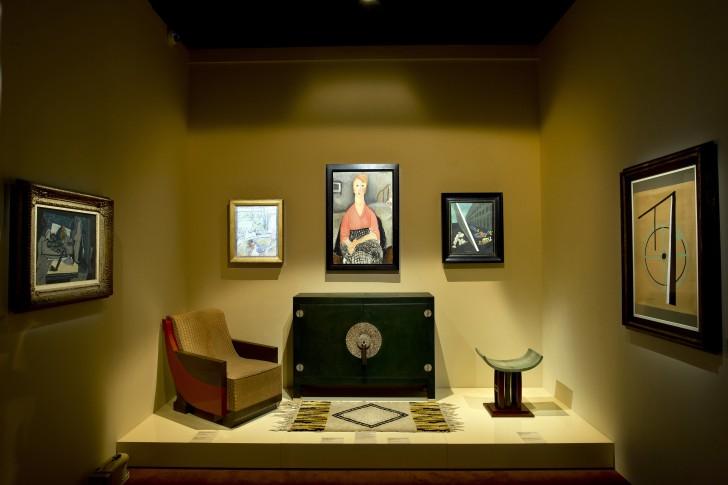 Scénographie de l'exposition « Jacques Doucet - Yves Saint Laurent, Vivre pour l'Art »